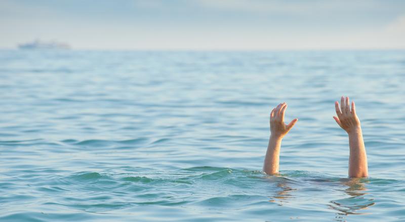 نتيجة بحث الصور عن drowning people