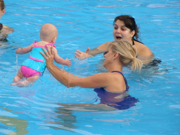 swimbabes synchrobabies teacher and parent and baby